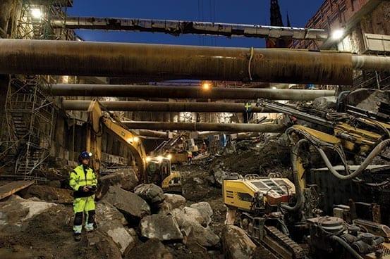 Golderites Excavating hole